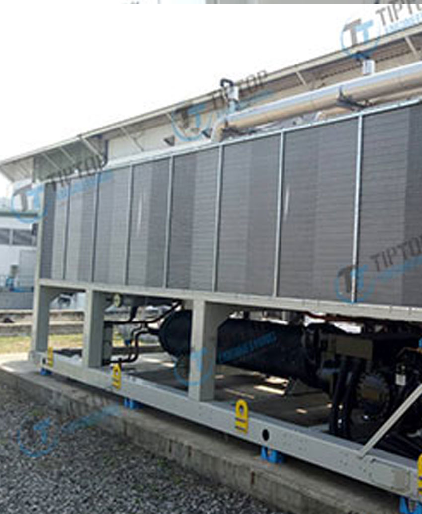 งานติดตั้งเครื่องทำน้ำเย็นชนิดที่คอนเดนเซอร์ระบายความร้อนด้วยน้ำ